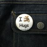 BADGE I LOVE HUGS